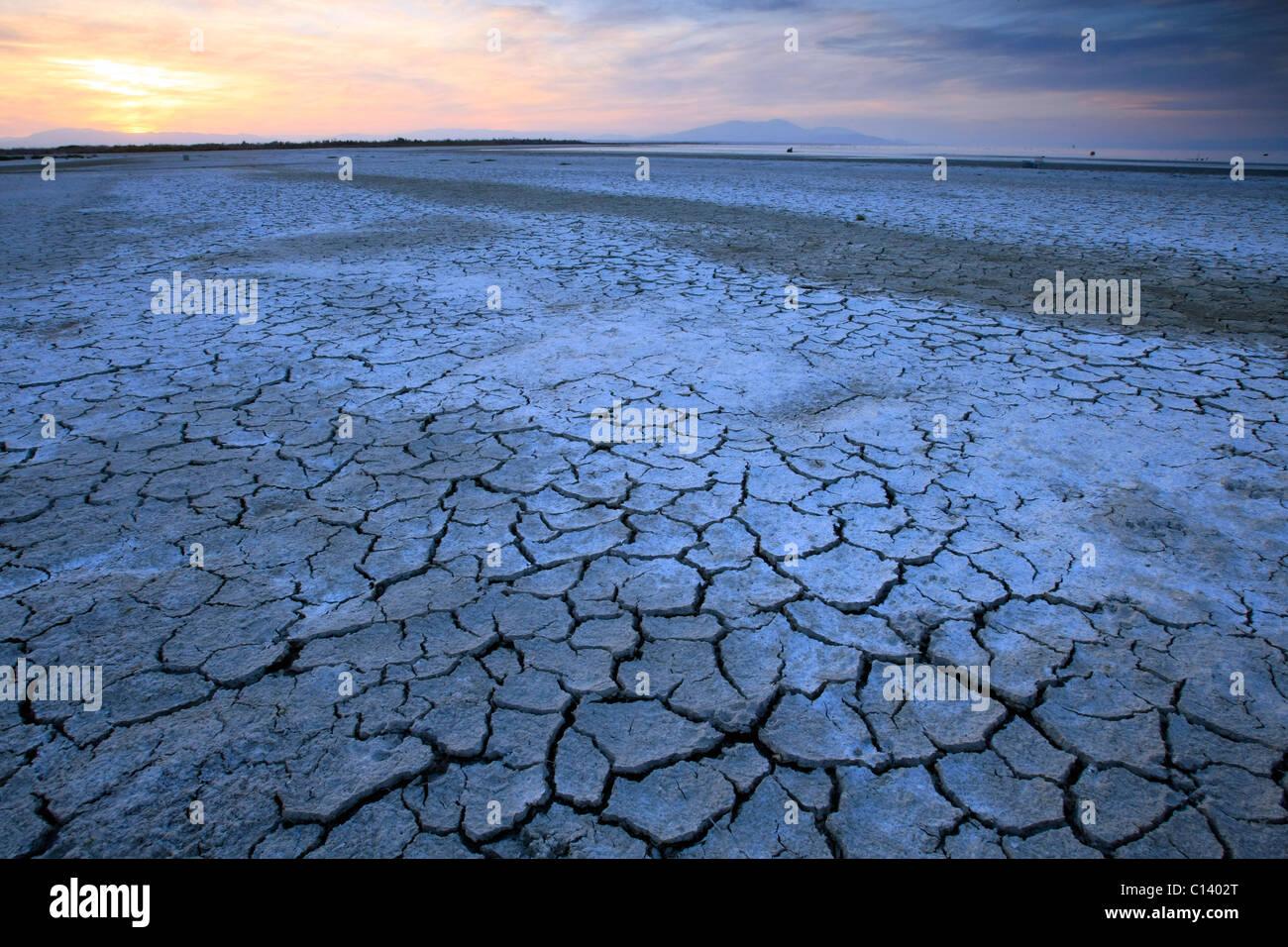 Puesta de sol junto al Mar de Salton. Imagen De Stock