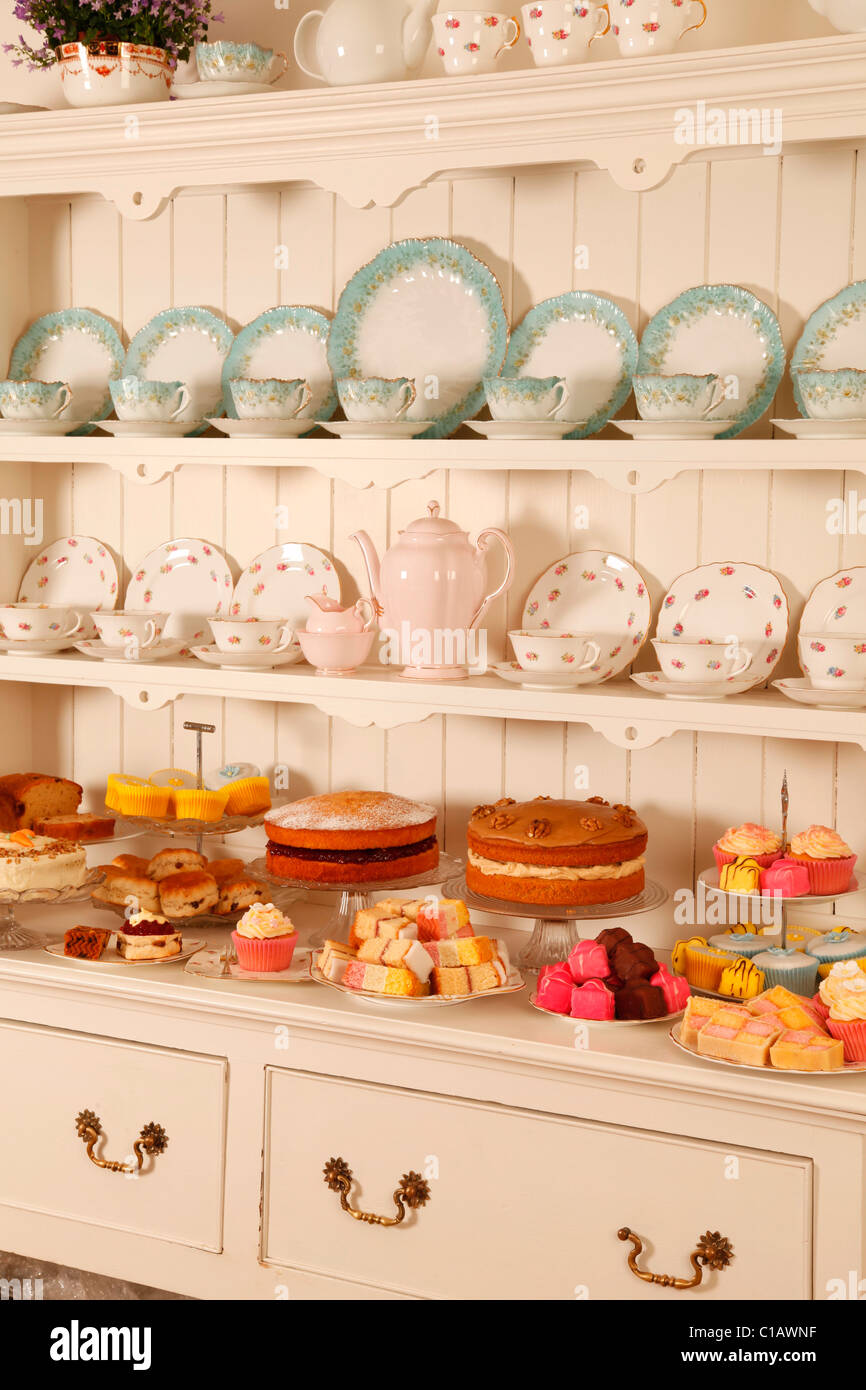 VINTAGE CHINA tazas de té con tortas Imagen De Stock