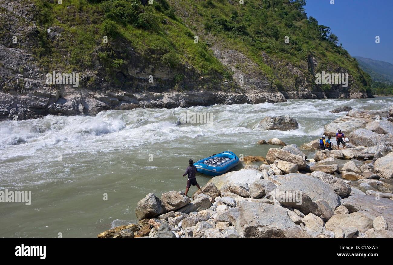 2 Harkapur rápidos, rafting de agua blanca en Sun río de Kosi, Nepal, Asia Imagen De Stock