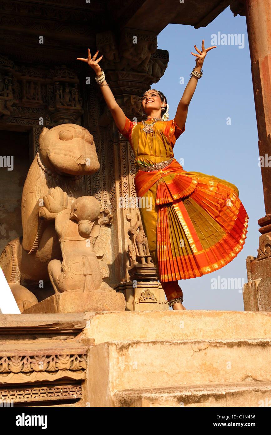 , Madhya Pradesh, India Khajuraho, piden una foto del Bharatanatyam bailarina del festival de danza Imagen De Stock