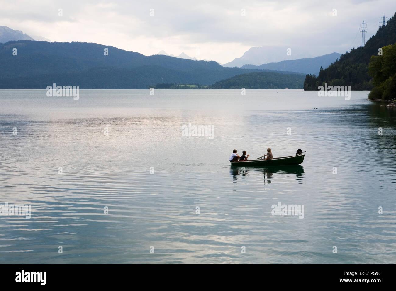Alemania, remo en el lago Walchensee Imagen De Stock