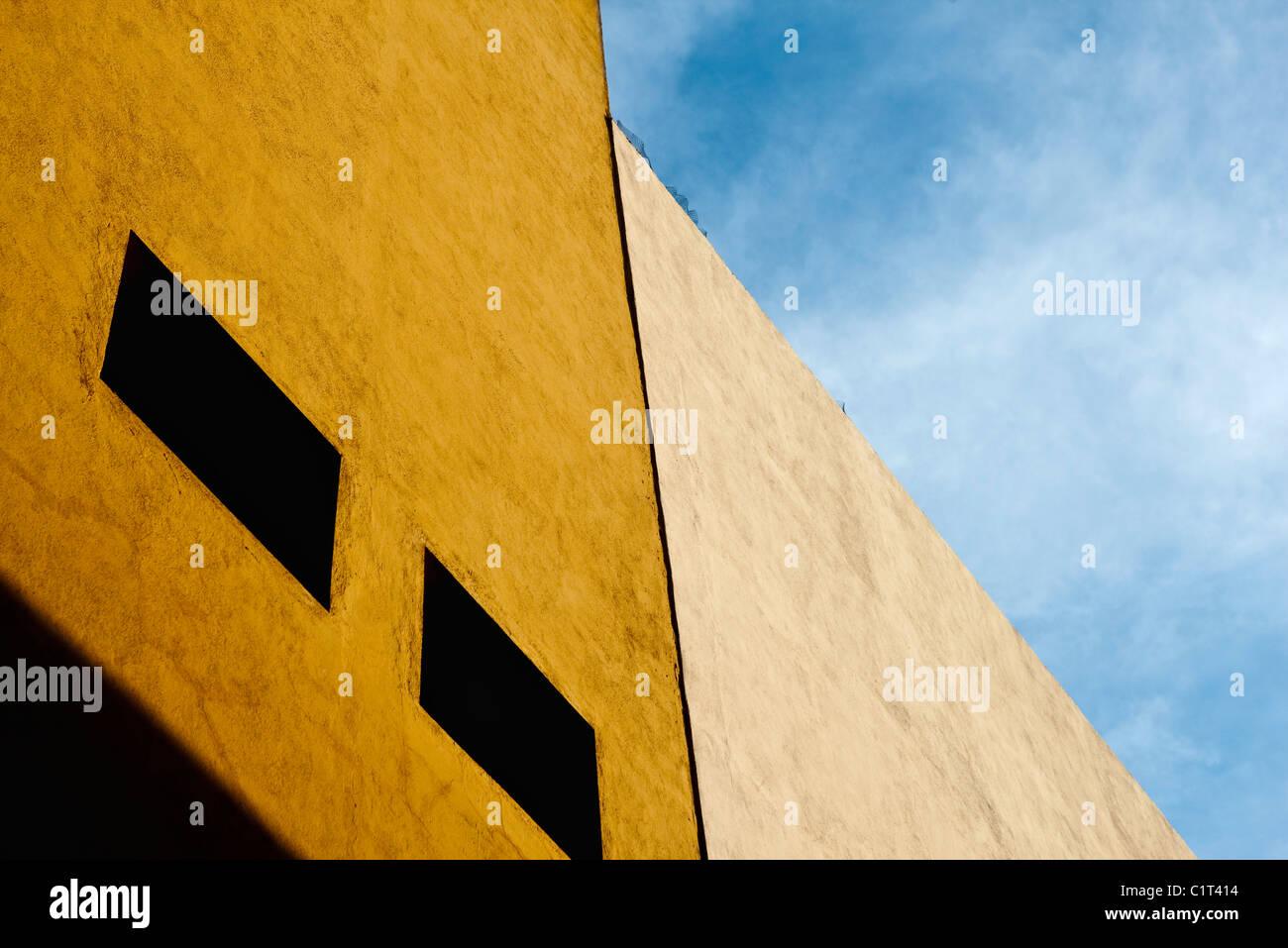 Construcción de la fachada, recortadas Foto de stock