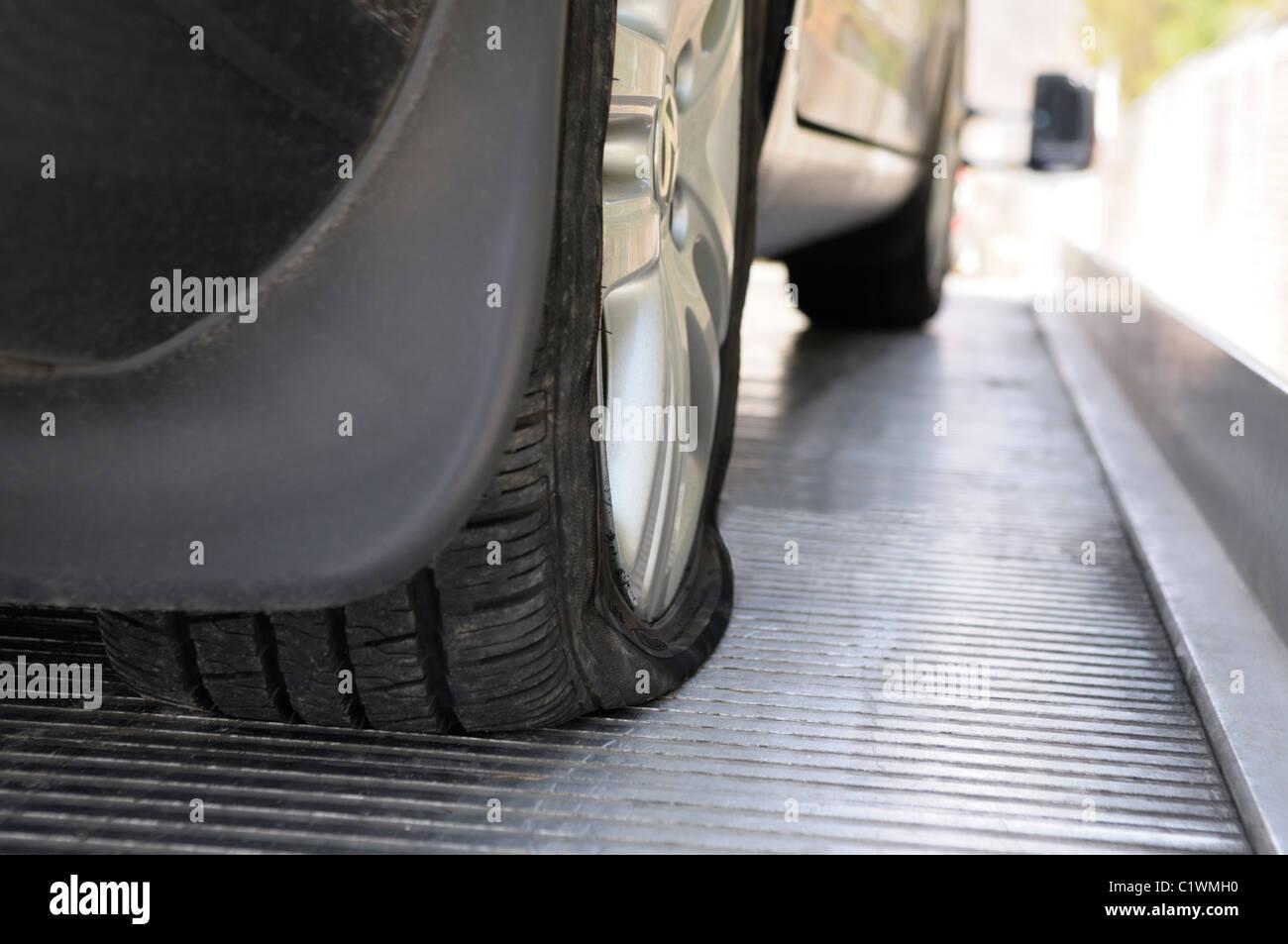 Neumático plano Imagen De Stock
