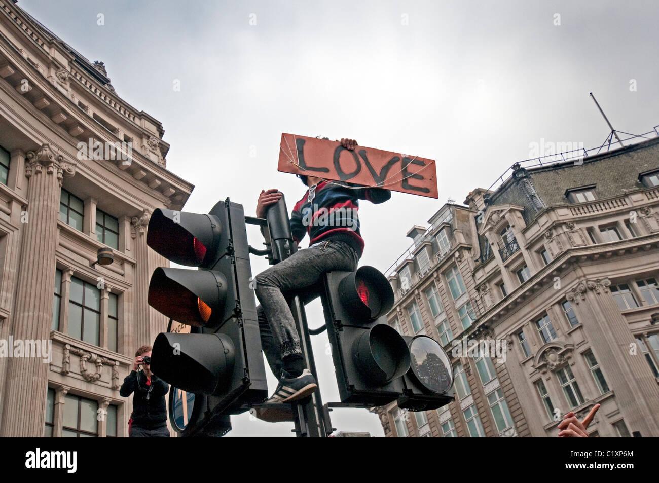 Anti-cortes de marzo para la Alternativa organizada por los sindicatos TUC Londres 2011 Imagen De Stock