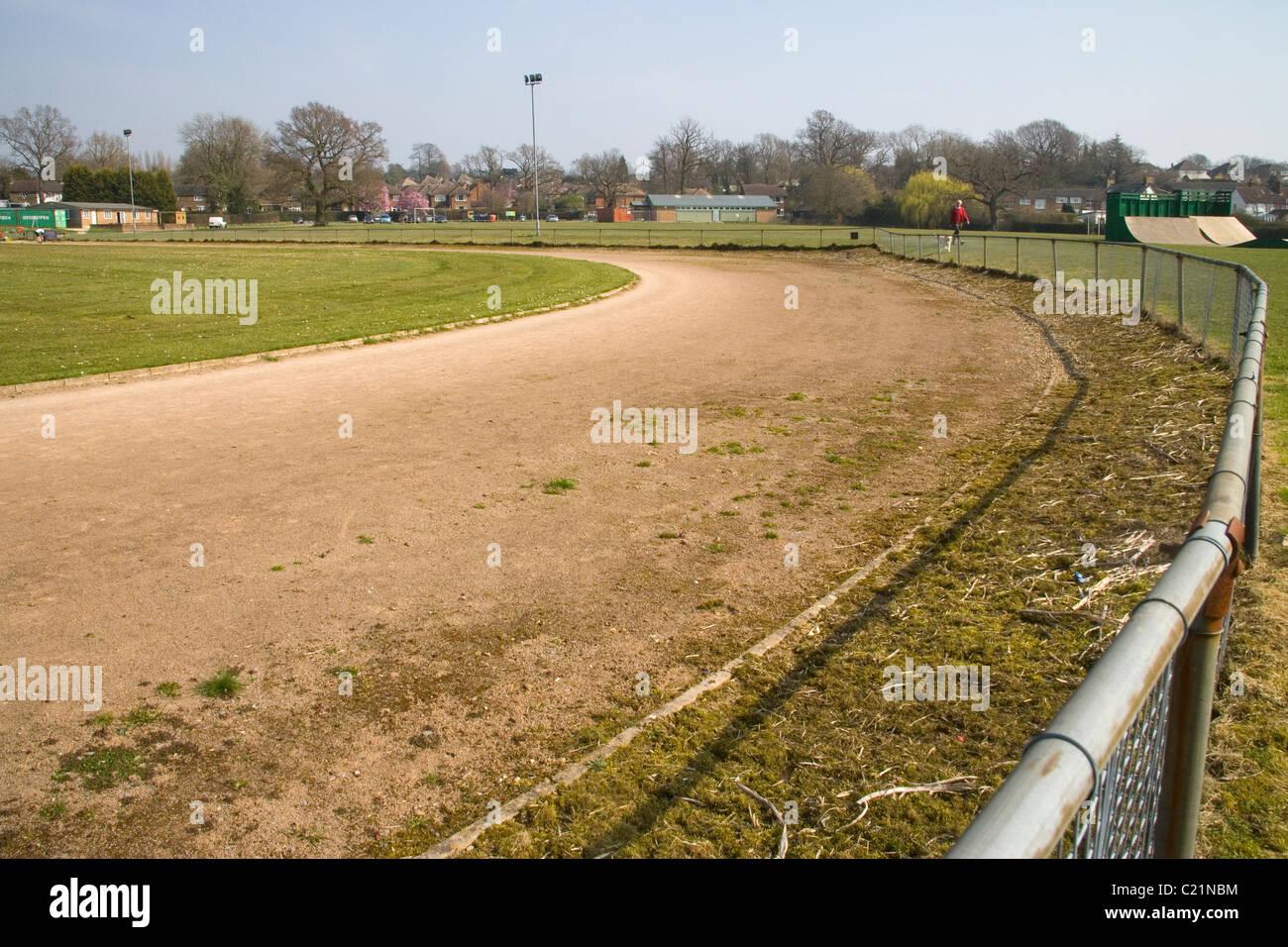 Antigua pista de atletismo en hurst verde en East Sussex Imagen De Stock