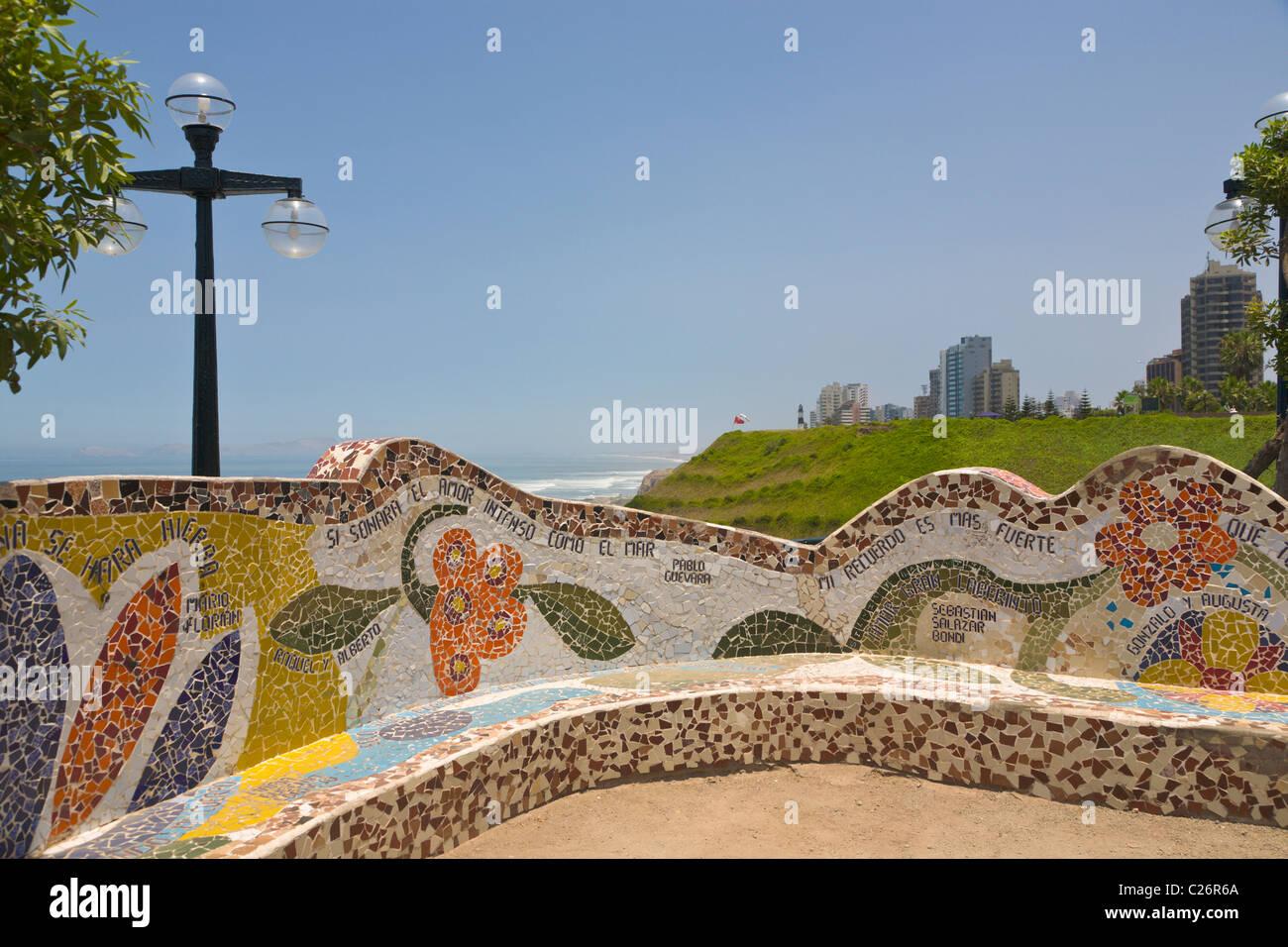 Parque del Amor, Miraflores, Lima, Perú. Imagen De Stock