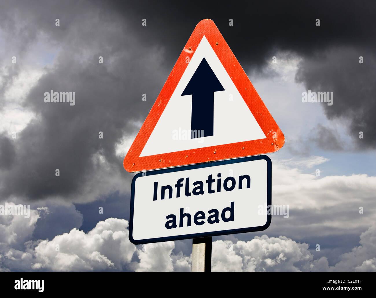 La inflación suba delante - concepto signo financiero británico Imagen De Stock