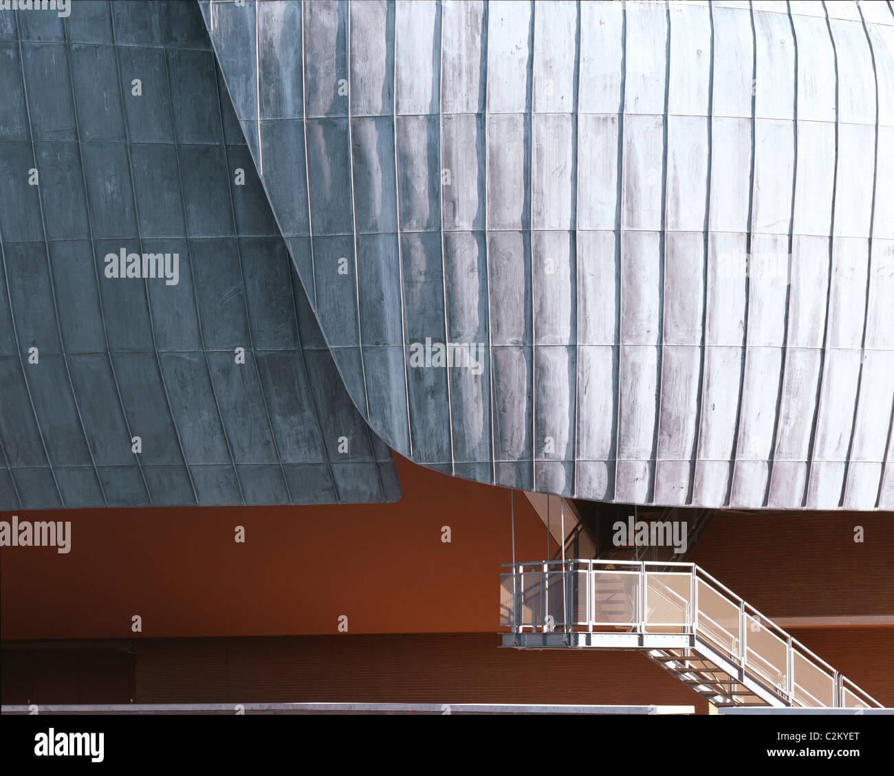 Auditorio Parco della Musica, Roma, 1997-2002. Detalle del techo y escalera exterior. Imagen De Stock
