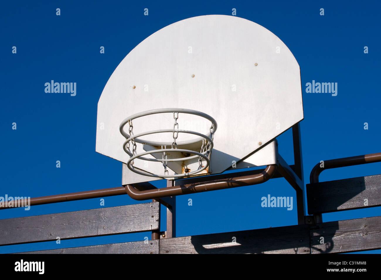 Red de baloncesto de metal Imagen De Stock