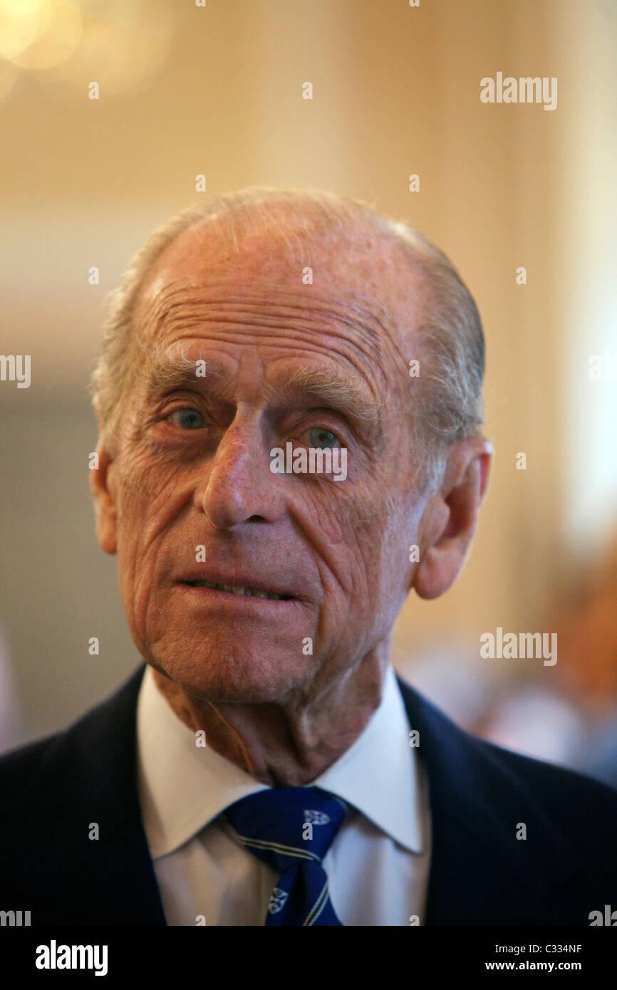 El Duque de Edimburgo en la Royal Society de Edimburgo para presentar Royal medallas Imagen De Stock