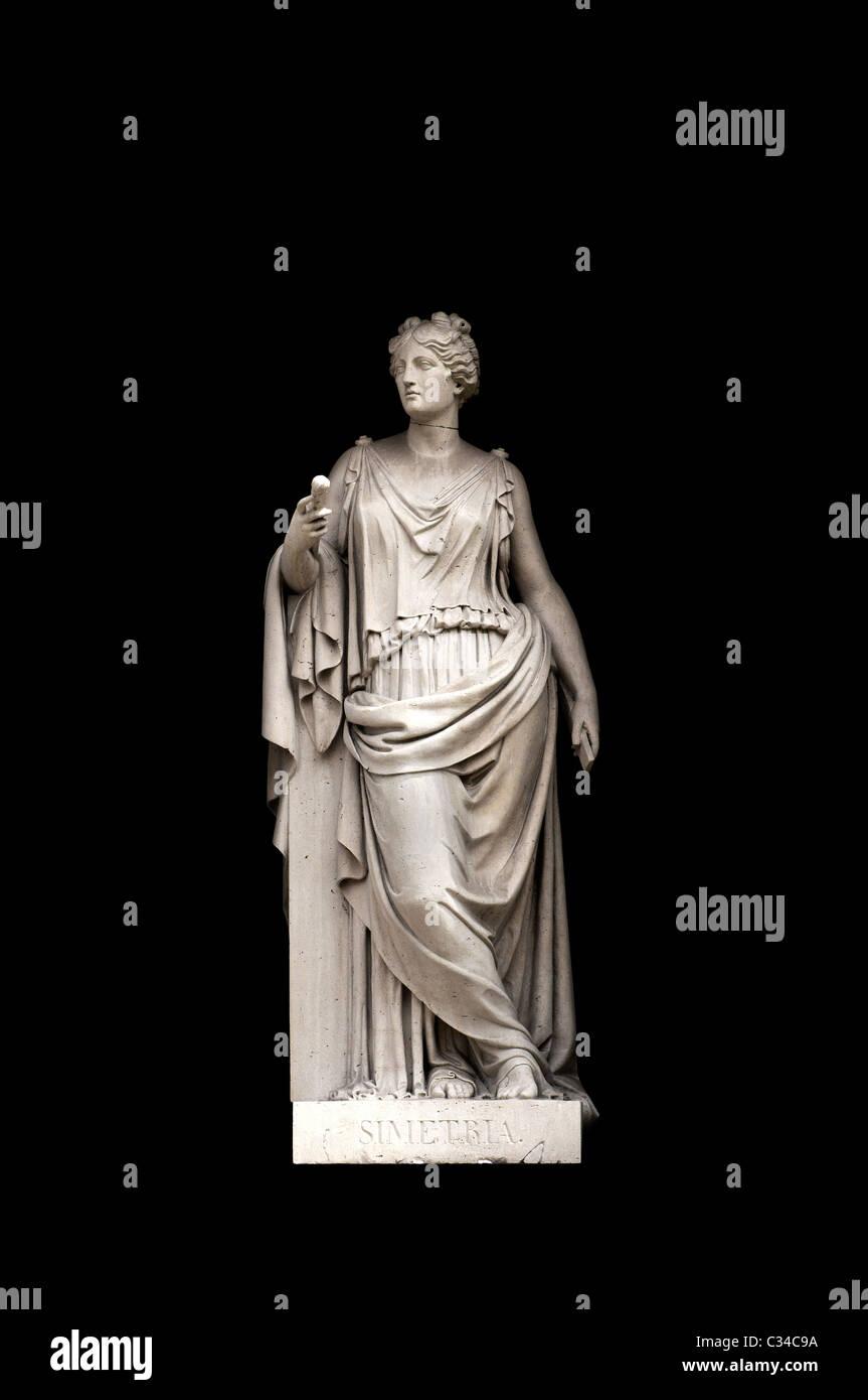 Esculturas alegóricas (simetría) por Valeriano Salvatierra y barriales, Museo del Prado, Madrid Foto de stock