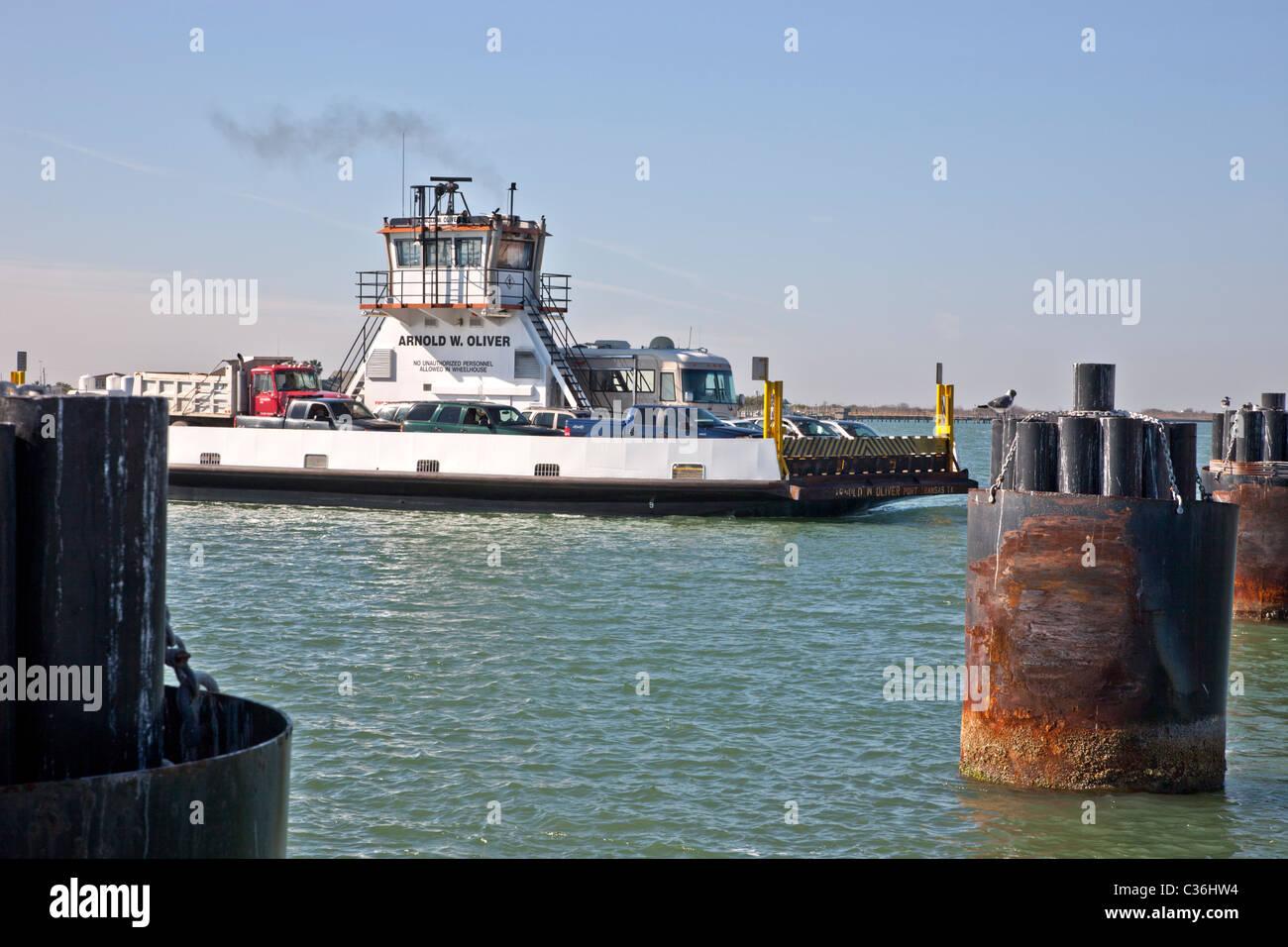 Port Aransas ferry partiendo. Imagen De Stock