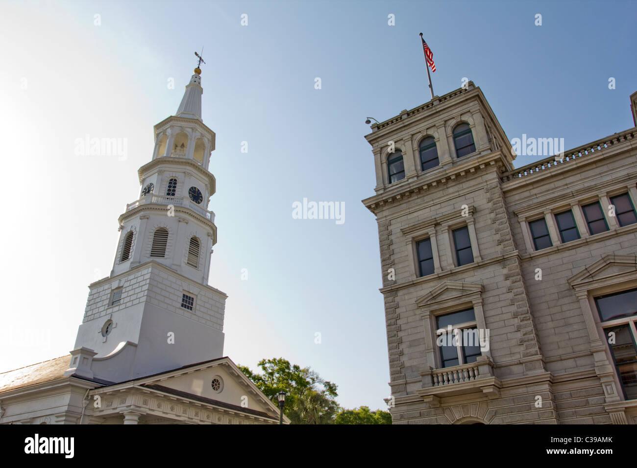 La Iglesia de San Miguel y la oficina de correos de EE.UU. y el Juzgado en Charleston, Carolina del Sur Imagen De Stock