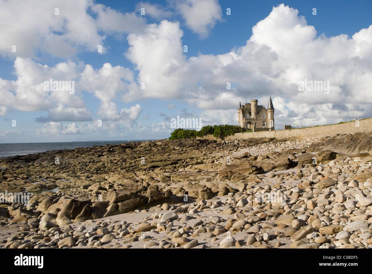 Castillo Turpault en la costa salvaje, Quiberon, Bretaña, Francia Imagen De Stock