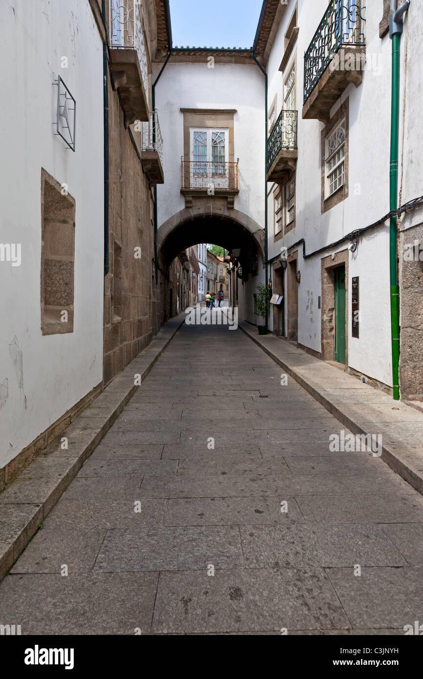 La calle Santa Maria en el centro histórico de Guimaraes 47ee063e7bfed