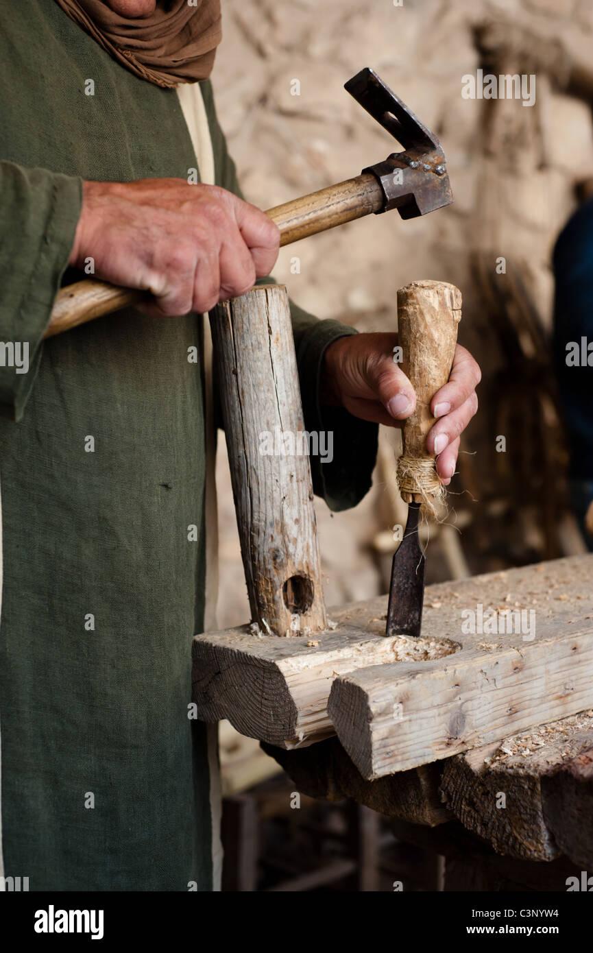 Una Hist Rica Re Enactor Sirve Como Un Carpintero De Construcci N  # Muebles Nazaret