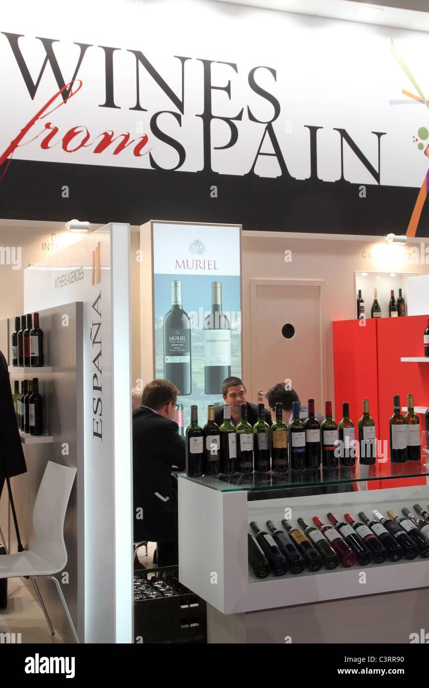 Vino de España expositores en la London International Wine Fair EN EL REINO UNIDO Foto de stock