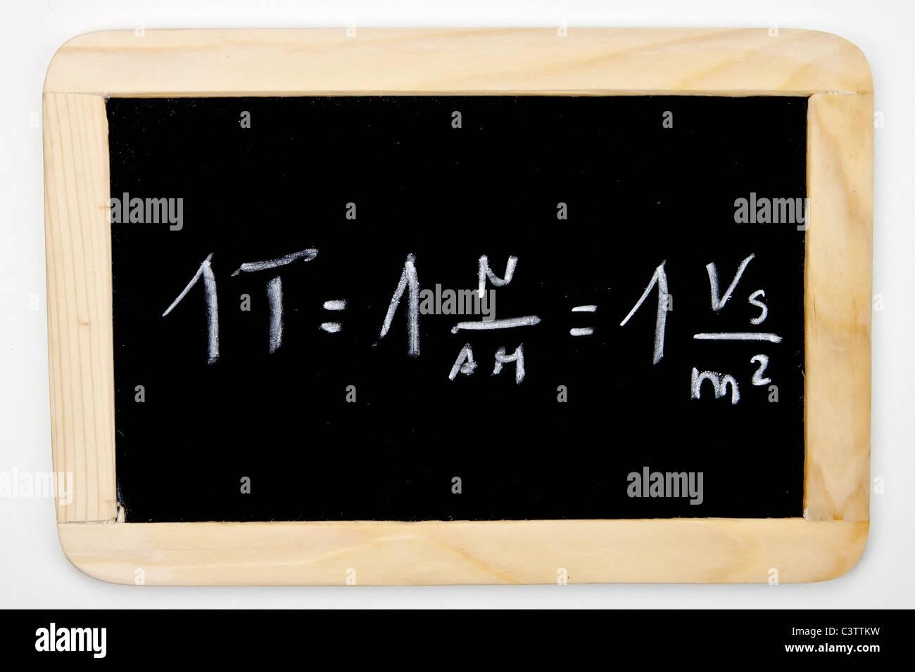 Una fórmula matemática en una pizarra Imagen De Stock