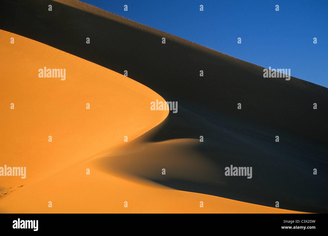 Argelia, Djanet, Sahara postre, dunas de arena. Imagen De Stock