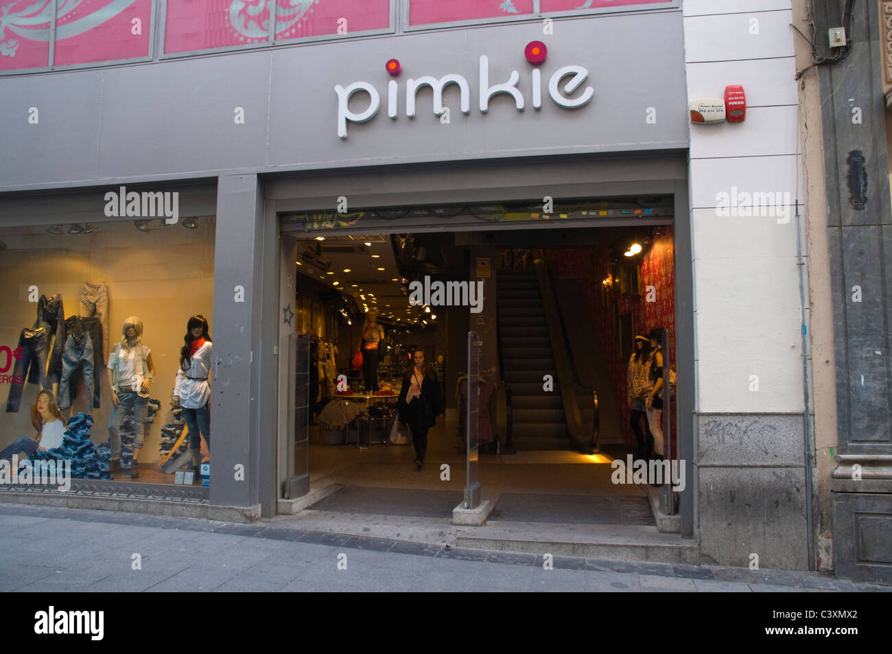 66eb951a855 Tienda de moda femenina Pimkie Calle Calle Preciados Madrid España Europa