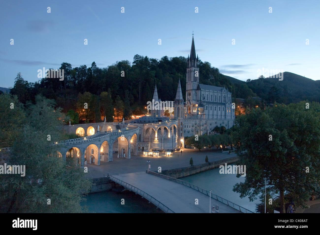 Francia, Europa, Lourdes, Pirineos, religión, lugar de peregrinación, Madonna, orar, religión Foto de stock