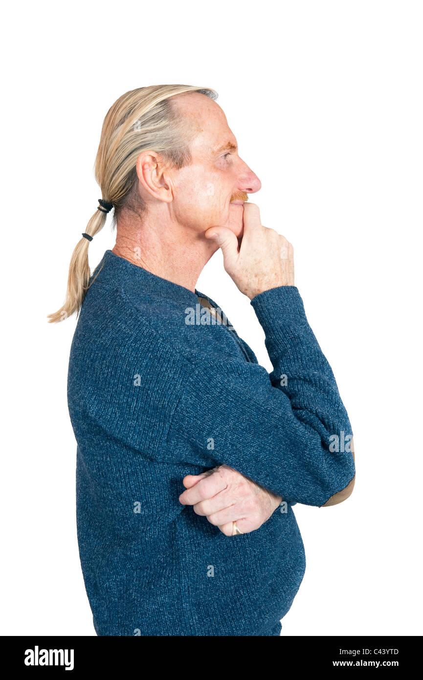 Foto de estudio, Release, considerar el recorte, fondo blanco, hombre, retrato, inteligentemente, el gesto, el mentón Foto de stock