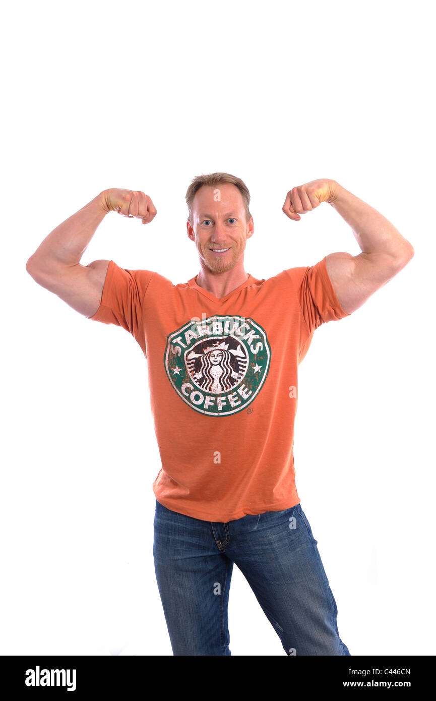 Foto de estudio, RELEASE, el recorte, fondo blanco, retrato, hombre, T-shirt, Starbucks, body building, risas, charcos, Imagen De Stock