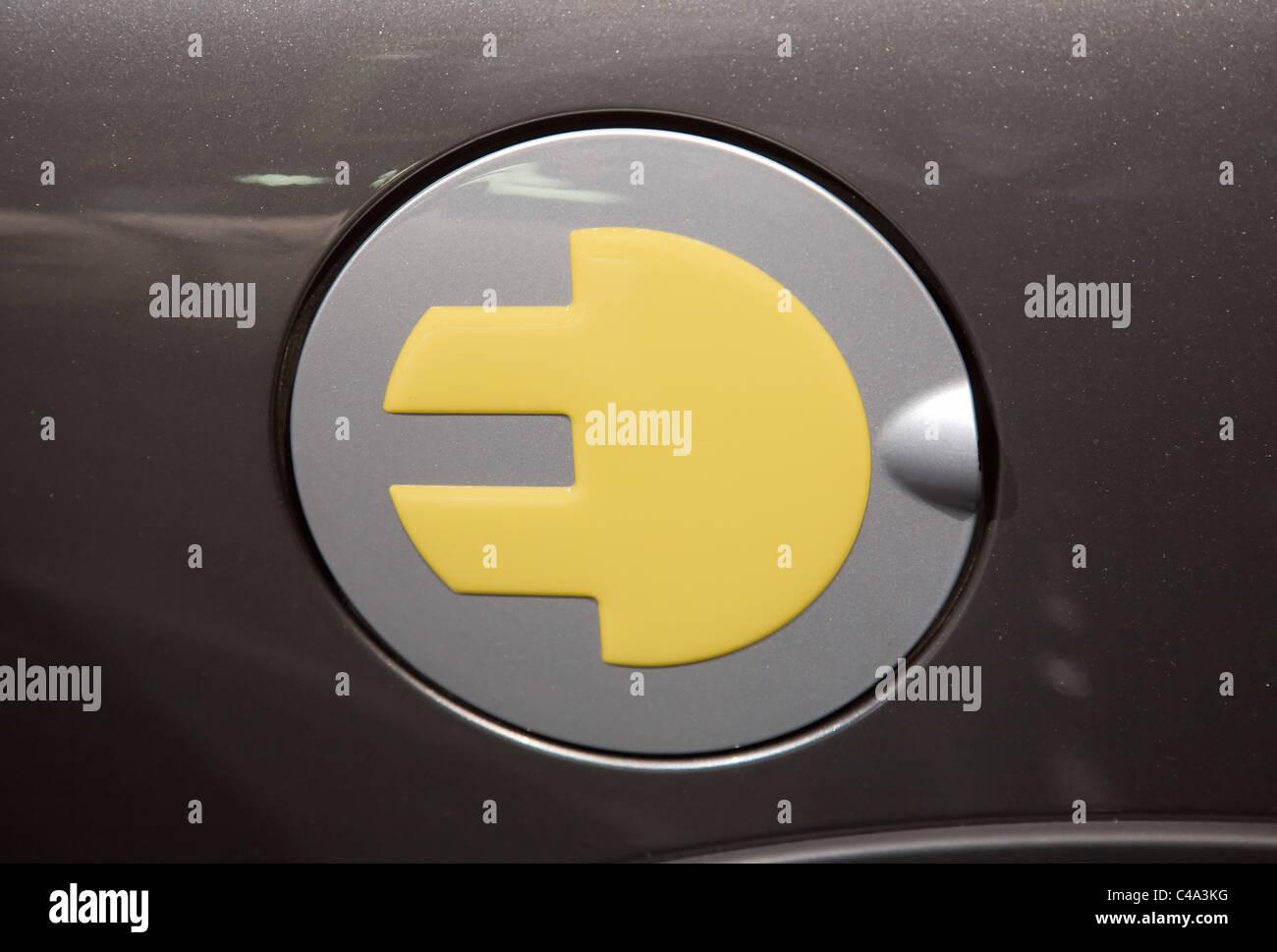 BMW Mini Electric Logo en la tapa o la puerta de combustible. Imagen De Stock