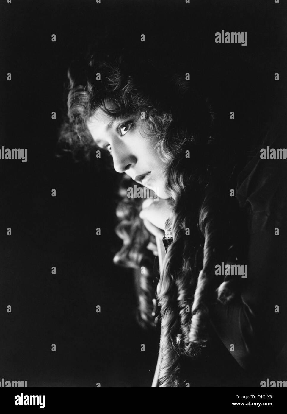 Foto retrato Vintage circa 1910s de la canadiense nacido actriz Mary Pickford (1892 - 1979). Imagen De Stock