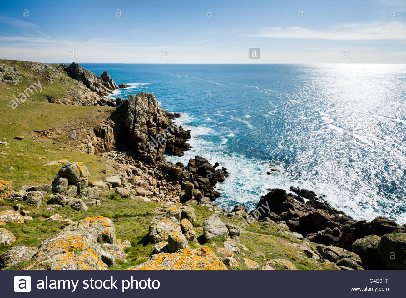 La escarpada costa en cabeza, Península de Penwith Gwennap, al oeste de Cornualles. Imagen De Stock