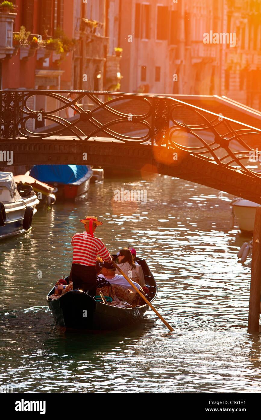 Venecia, góndola en Venecia. Imagen De Stock