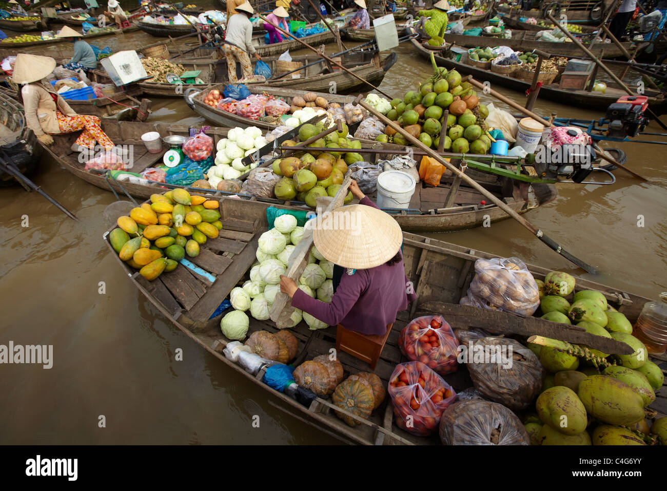 El mercado flotante nr Can Tho, en el Delta del Mekong, Vietnam Imagen De Stock