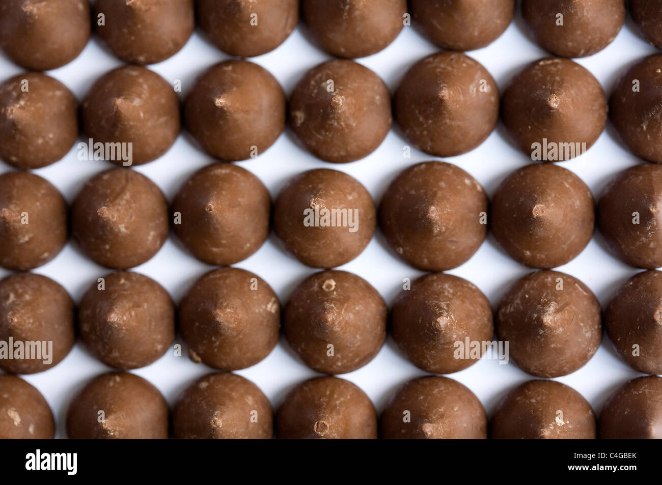 Kisses de Hershey chocolate leche. Imagen De Stock