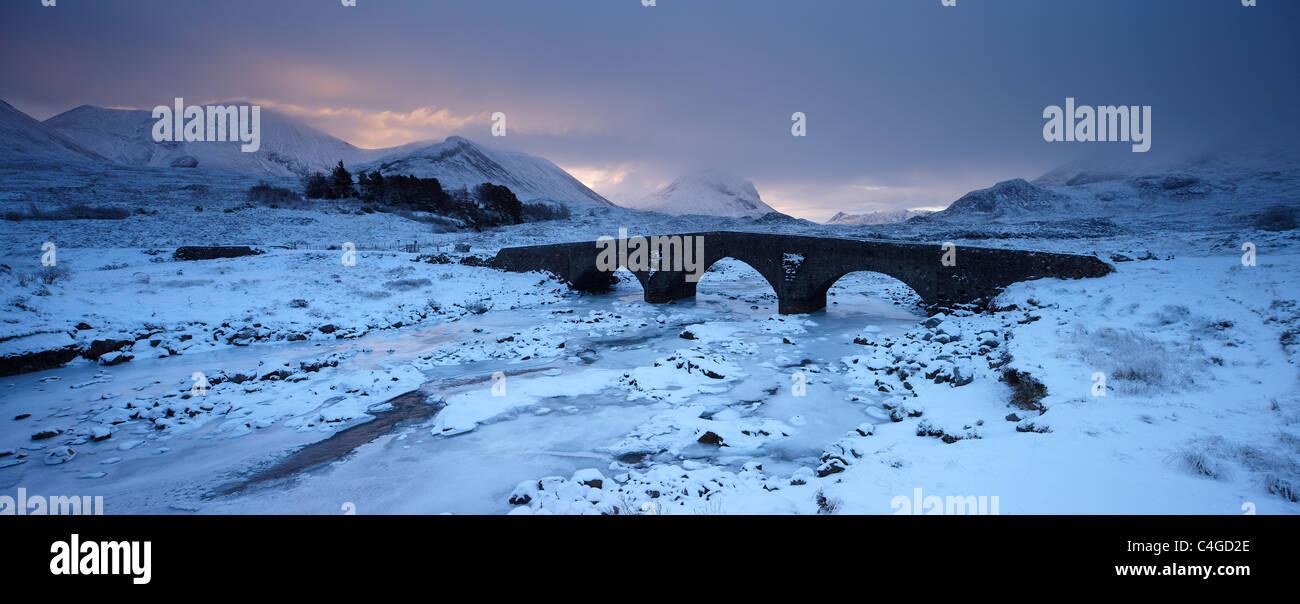 Glen Sligachan &Cuillin en invierno, Isla de Skye, Escocia Foto de stock