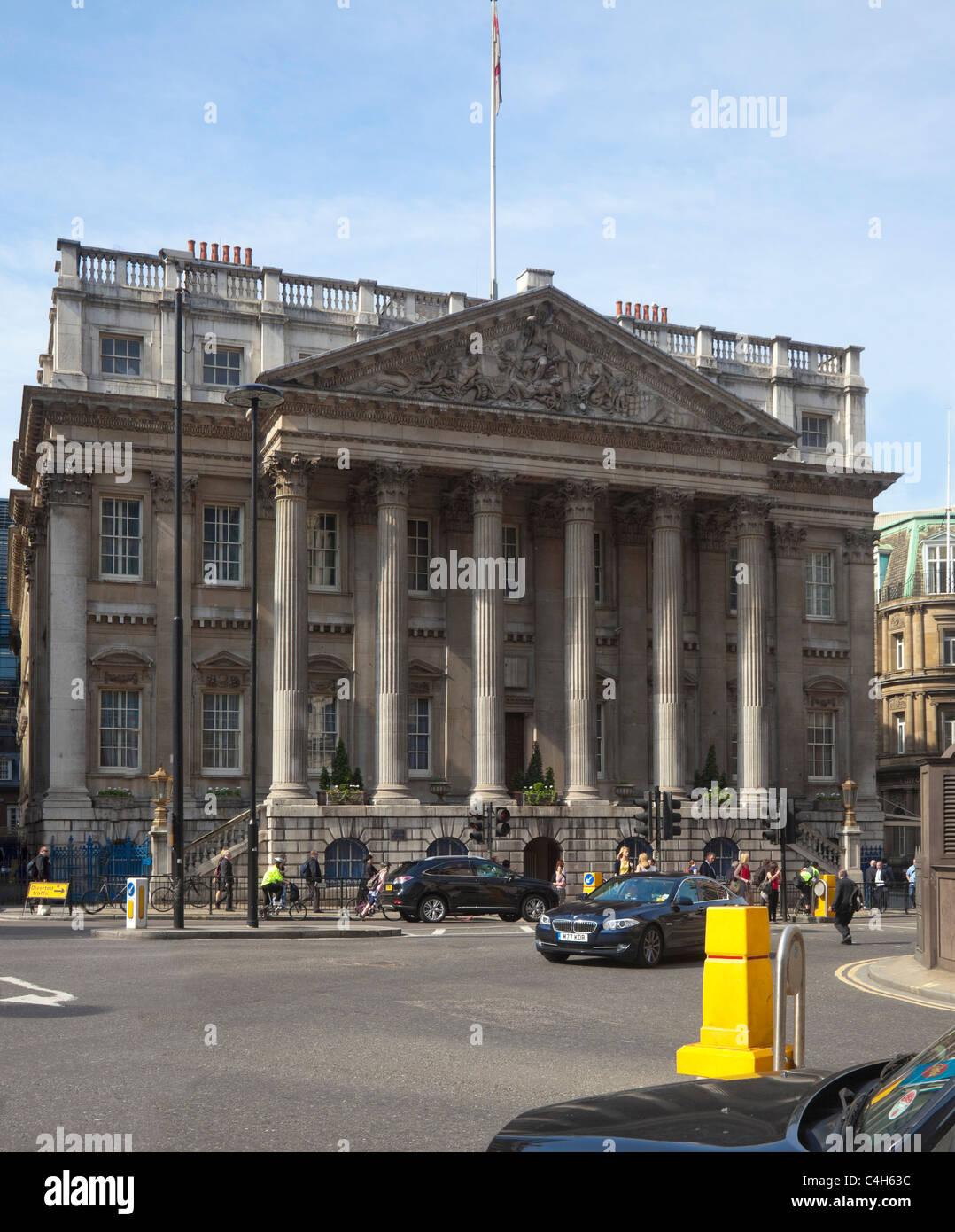 El Mansion House en la ciudad de Londres. Imagen De Stock
