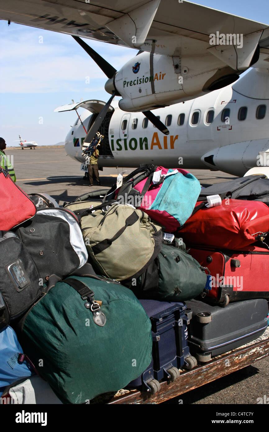 Avión de pasajeros de aerolíneas de carga de equipaje bolsas Foto de stock
