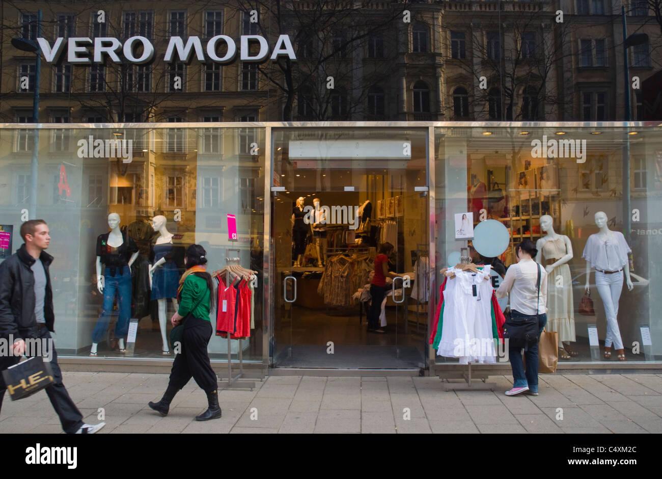 Vero Moda exterior de la tienda de la calle Mariahilfer Strasse, la principal calle de tiendas de Viena Austria Imagen De Stock