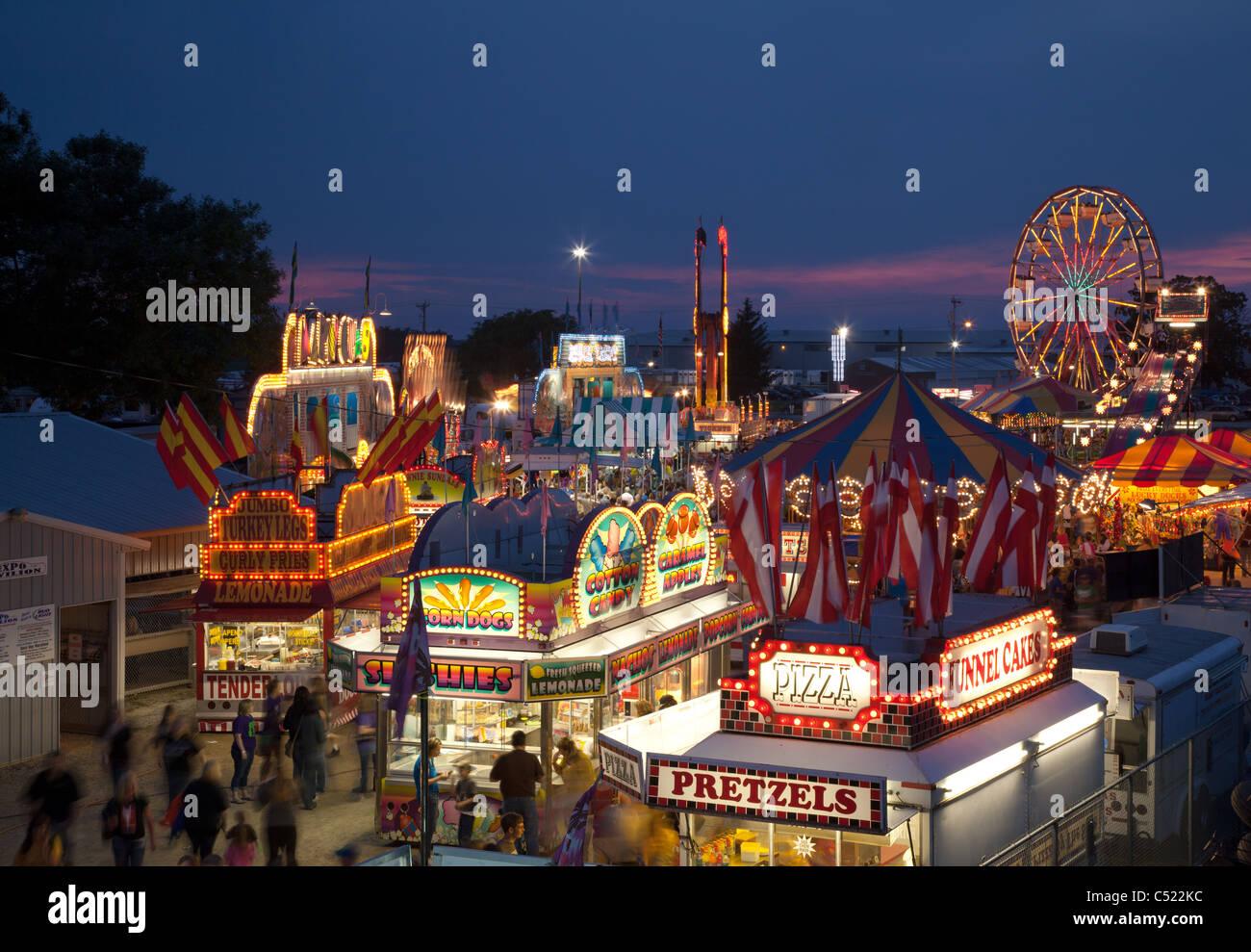A mitad de camino en el poderoso Howard County Fair, Cresco, Iowa Imagen De Stock