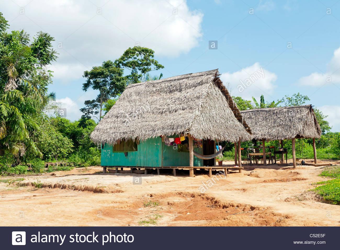 Simple Houses Imagenes De Stock Simple Houses Fotos De Stock Alamy