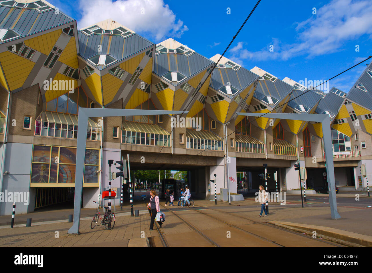 Casas cubo en la calle Overblaak Rotterdam la provincia de Holanda Meridional Holanda Europa Imagen De Stock