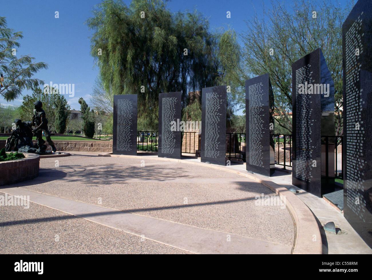 Lápidas en un memorial, Vietnam Veterans Memorial, Phoenix, Arizona, EE.UU. Foto de stock