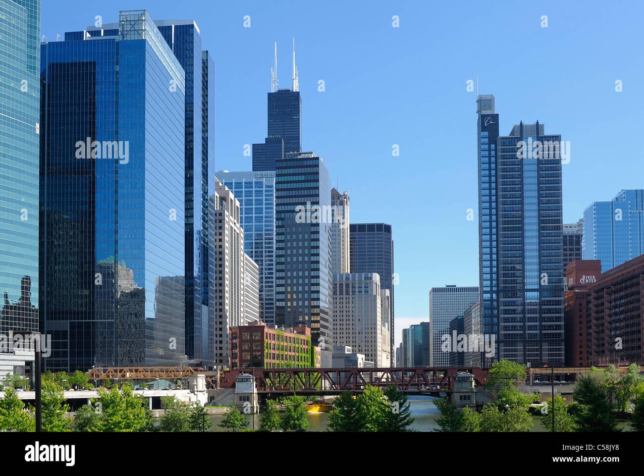 Puente, el río de Chicago, el centro de Chicago, Illinois, EE.UU., Estados Unidos, América, ciudad, rascacielos, Imagen De Stock