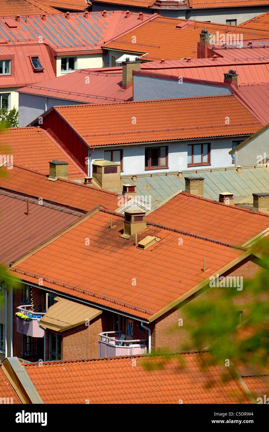 Close-up de tejados con chimeneas similares Imagen De Stock