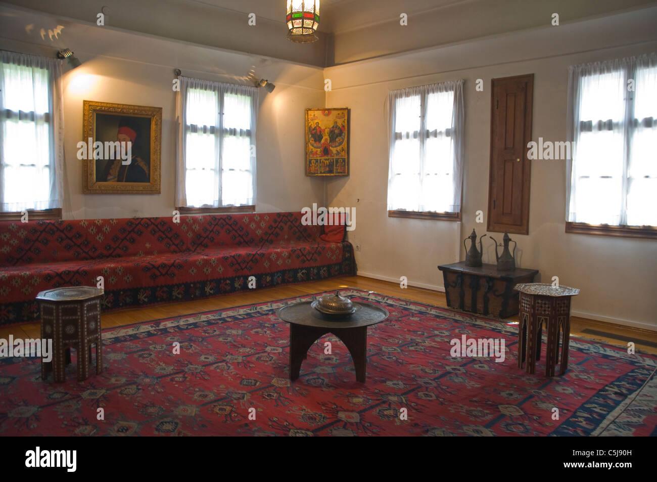 Habitación De Estilo Europeo Imágenes De Stock   Habitación De ... 0ba19c6e102
