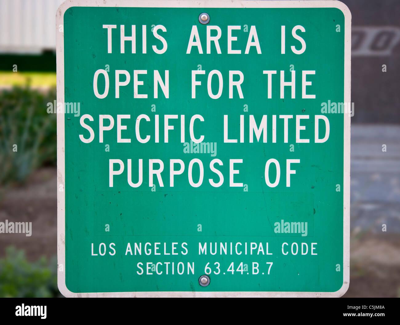 Signo extraño en el centro de la ciudad, Los Ángeles, California, Estados Unidos. Imagen De Stock