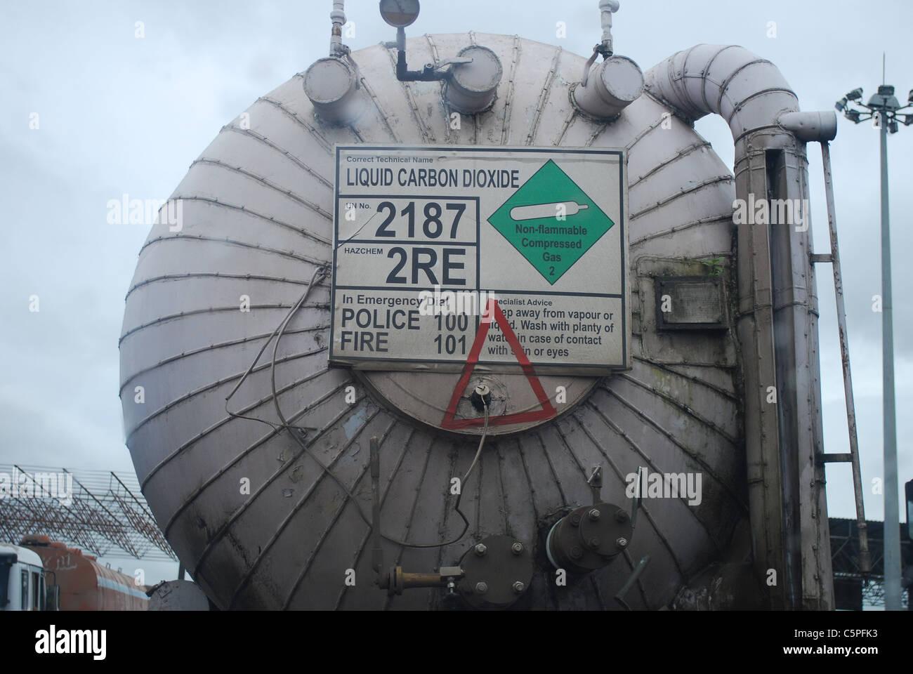 Tanker llevar dióxido de carbono líquido Imagen De Stock