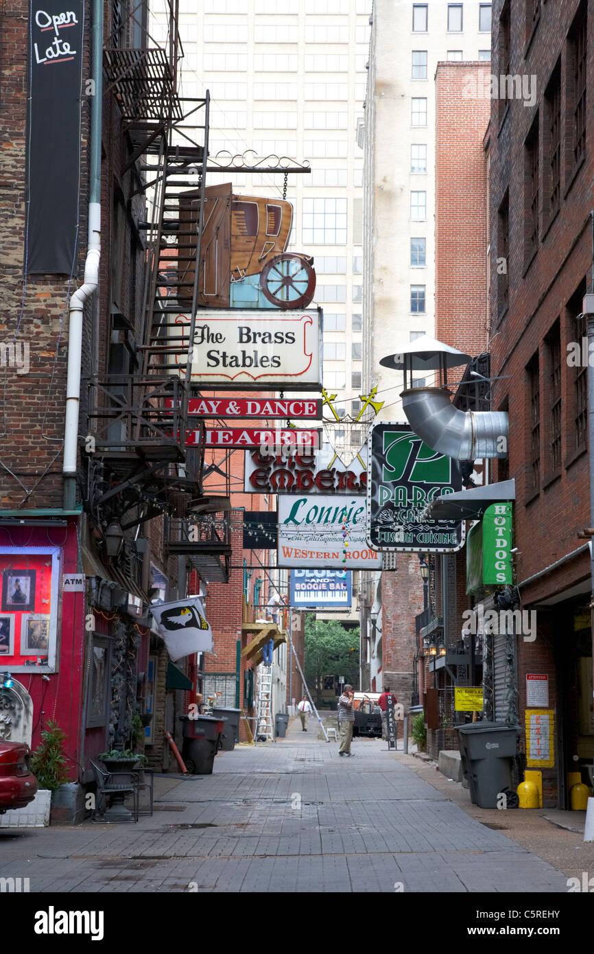 Bares, restaurantes y teatros en impresoras alley de Nashville, Tennessee, EE.UU. Foto de stock
