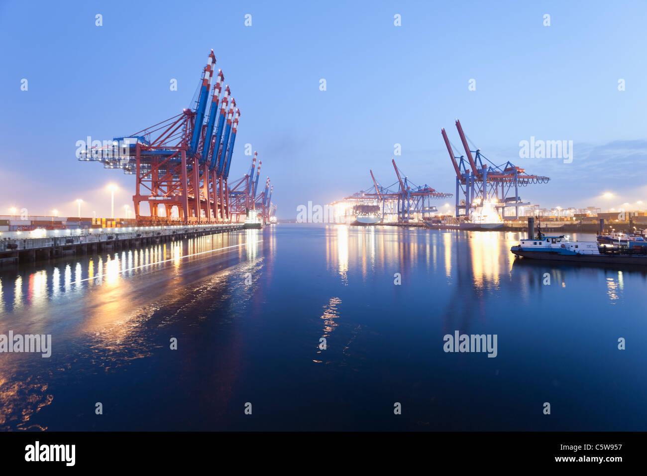 Alemania hamburgo burchardkai vista de barco de contenedores en el puerto foto imagen de - Contenedores de barco ...