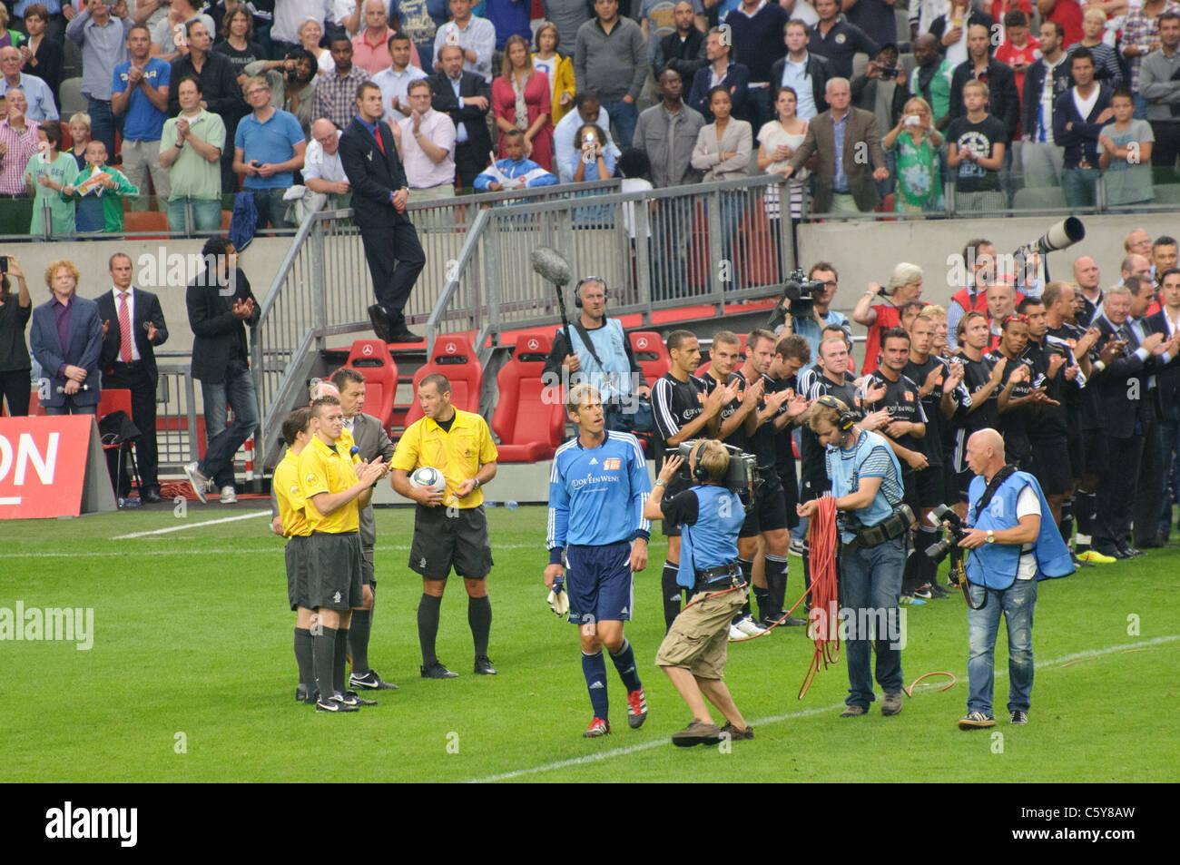Edwin van der Sar luego de su despedida el 3 de agosto de 2011 en Amsterdam Imagen De Stock