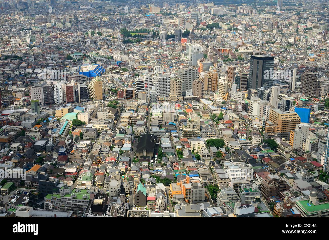 Vista de la expansión urbana en Tokio, Japón. Imagen De Stock